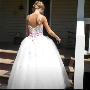 Dresses & Skirts - Beautiful prom or wedding dress